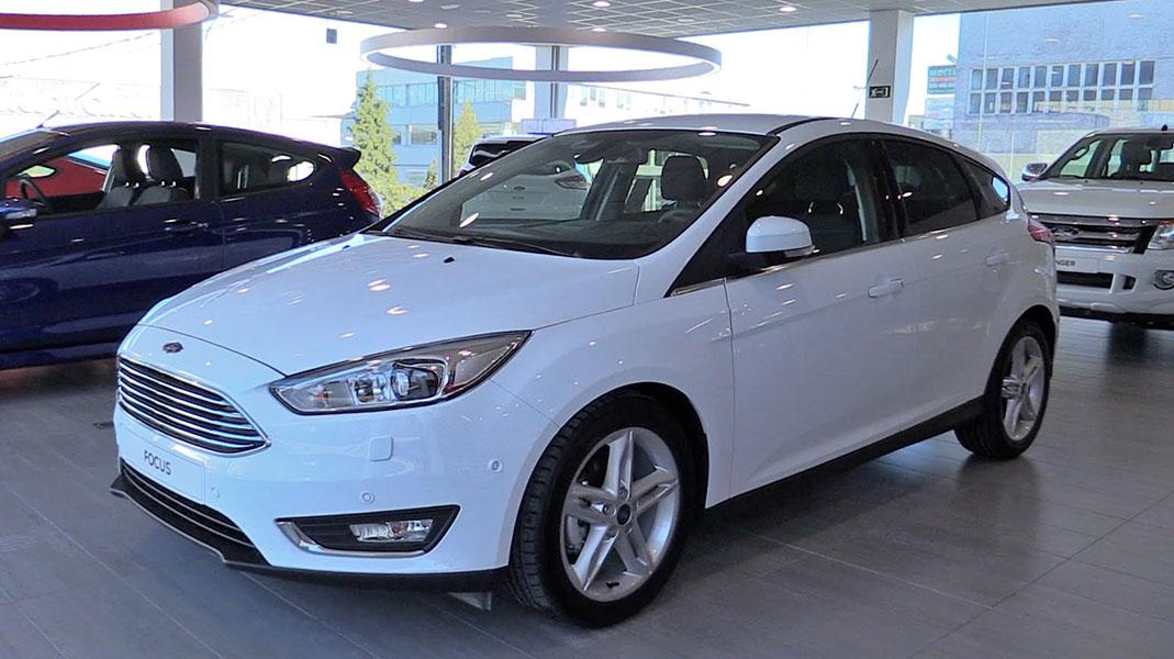 Giá Ford Focus tháng 6/2018