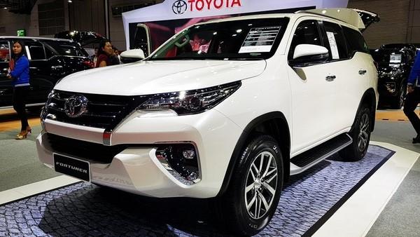 Giá xe Toyota Fortuner tháng 8/2018 tăng gần 50 triệu đồng