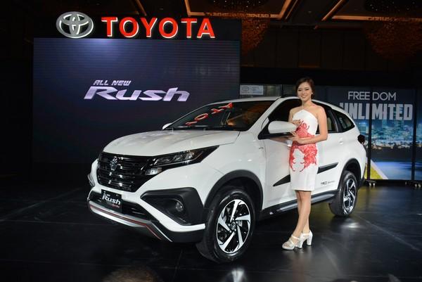 Bảng giá bán xe Toyota Rush cập nhật tháng 8/2018