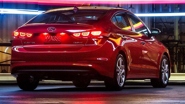 Giá xe Hyundai Elantra tháng 7/2018