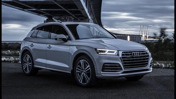 Giá xe Audi Q5 tháng 8/2018