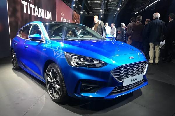 Giá Ford Focus tháng 8/2018 mới nhất