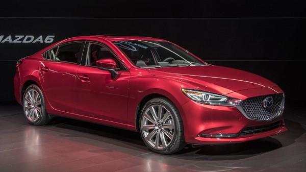 Bảng giá bán xe ô tô Mazda 6 tháng 8/2018