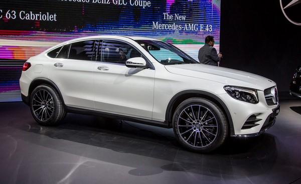Bảng giá bán xe Mercedes-Benz GLC-Class tháng 8/2018