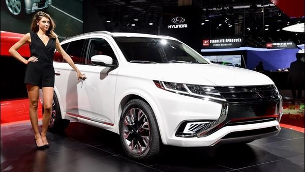 Giá xe Mitsubishi All New Pajero Sport tháng 8/2018