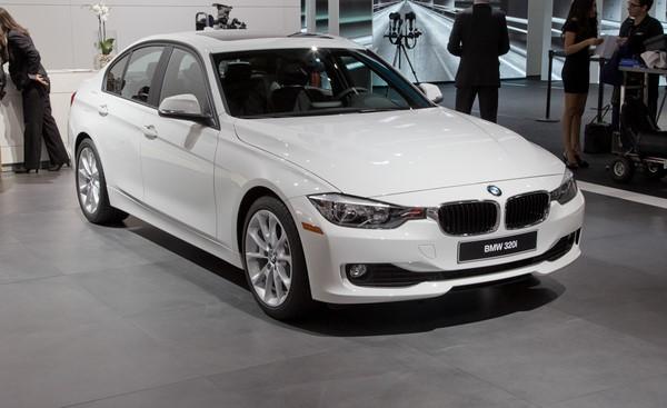 Giá xe BMW 320i tháng 8/2018