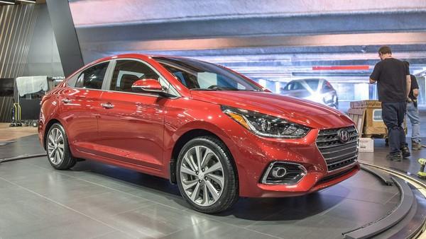 Giá xe Hyundai Accent tháng 8/2018