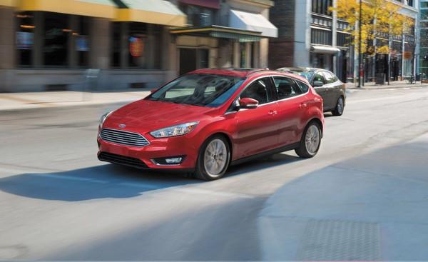 Giá Ford Focus tháng 9/2018 mới nhất