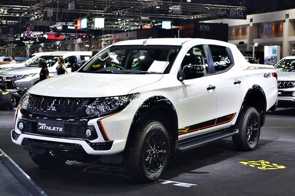 Giá xe Mitsubishi Triton Athlete 2018 tháng 9/2018