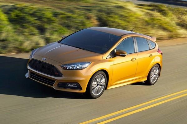 Giá Ford Focus tháng 10/2018 mới nhất