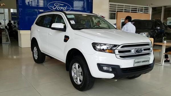 Giá xe Ford Everest tháng 10/2018