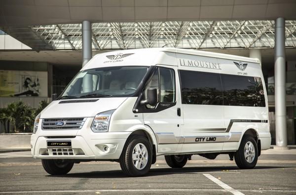 Giá xe Ford Transit tháng 10/2018