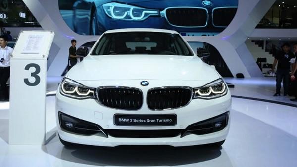 Giá xe BMW 320i tháng 10/2018