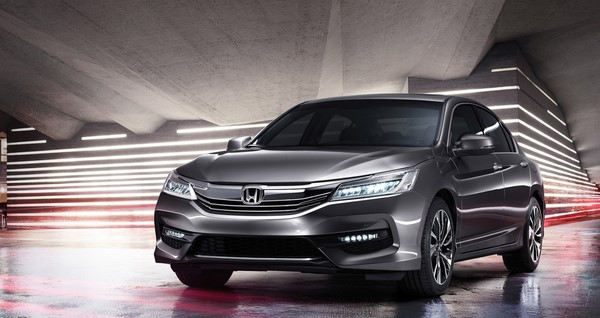 Giá xe Honda Accord tháng 10/2018