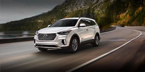 Giá xe Hyundai SantaFe tháng 9/2018