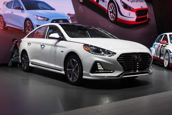 Giá xe Hyundai Sonata tháng 9/2018