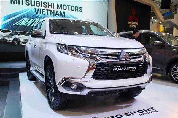 Giá xe Mitsubishi Pajero Sport tháng 10