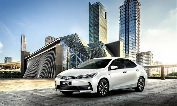Giá xe Toyota Corolla Altis mới nhất tháng 9/2018