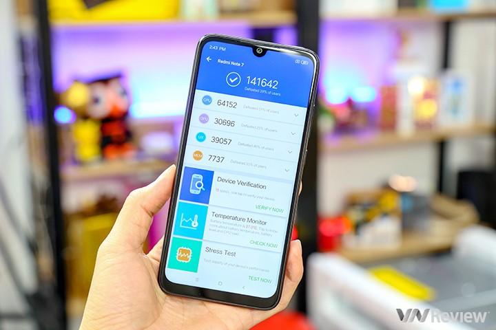 """Khui hộp Xiaomi Redmi 7 vừa """"xách tay"""" về Việt Nam kèm giá bán tại Clickbuy - 253249"""