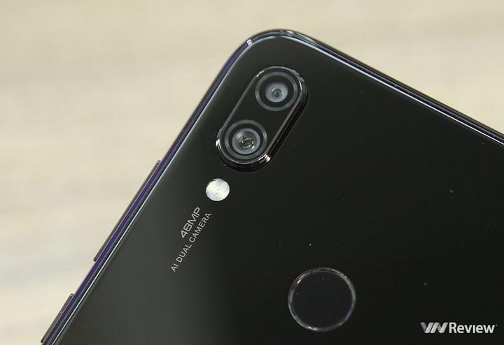 """Khui hộp Xiaomi Redmi 7 vừa """"xách tay"""" về Việt Nam kèm giá bán tại Clickbuy - 253253"""