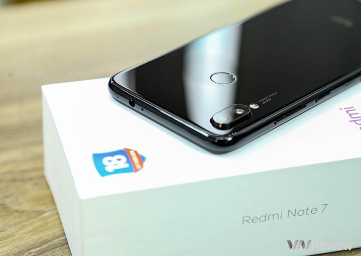 """Khui hộp Xiaomi Redmi 7 vừa """"xách tay"""" về Việt Nam kèm giá bán tại Clickbuy - 253244"""