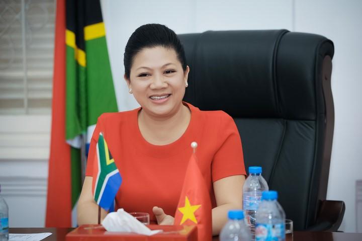Bà Đỗ Thị Kim Liên – CEO thương hiệu bảo hiểm AAA