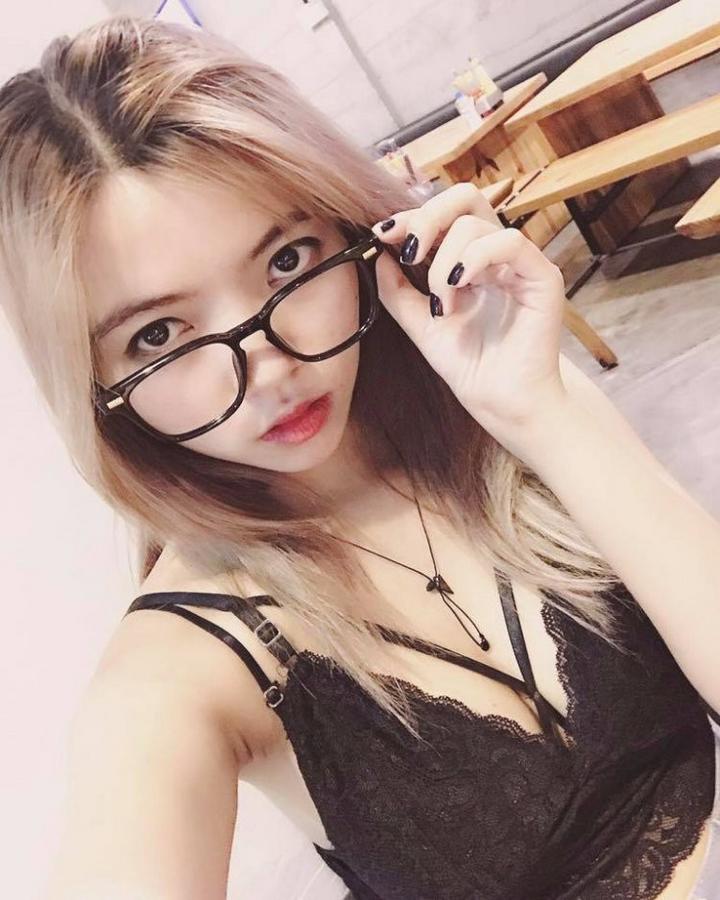 Ohsusu có vẻ ngoài xinh đẹp cá tính