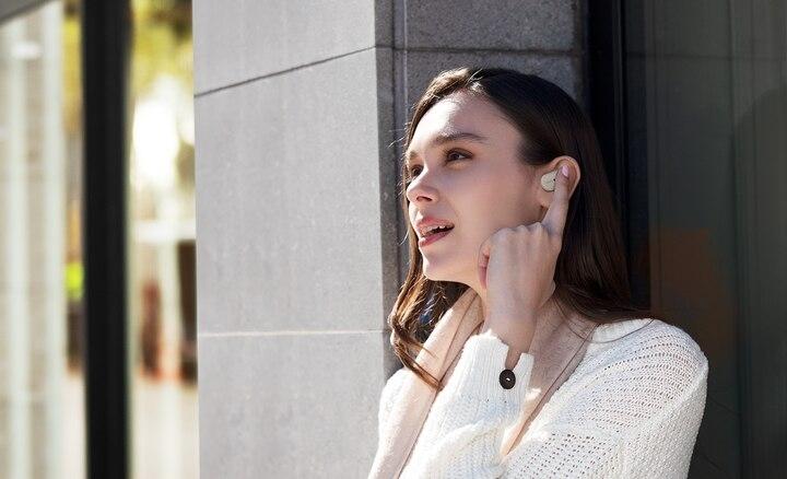 bạn có thể điều khiển tai nghe bằng giọng nói