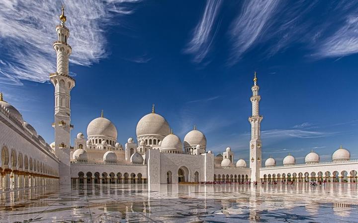 Nhà thời hồi giáo Sheikh Zayed nổi tiếng thế giới