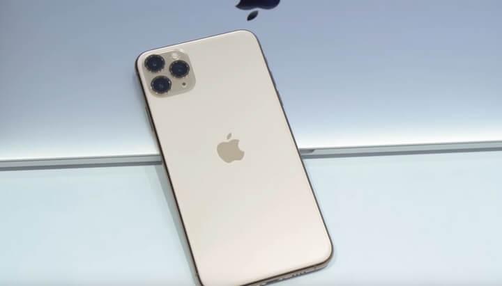 Điểm nhấn khác biệt cũng là điểm được bàn tán nhất là cụm 3 camera ắp xếp theo hình vuông trên iPhone 11 Pro Max .