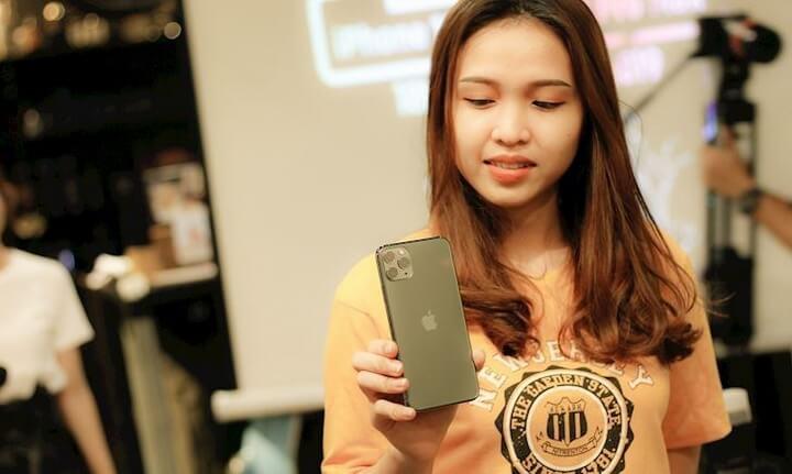 Trên tay iPhone 11 Pro Max Midnight Green