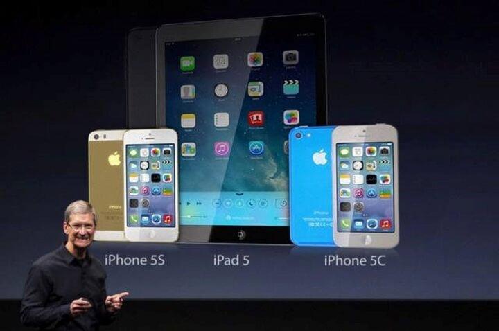 Vào tháng 9/2013 Apple trình làn mẫu điện thoại iPhone 5S